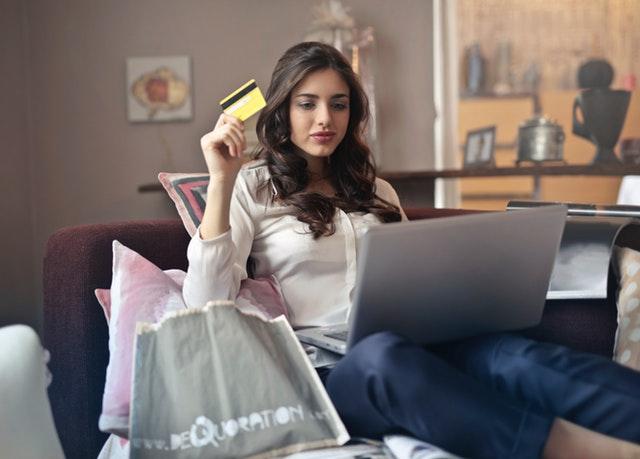 Bezpieczne zakupy przez internet – Najważniejsze zasady